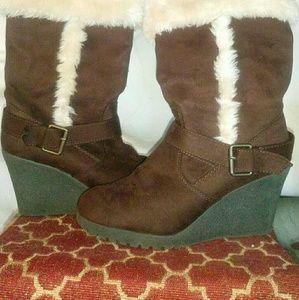 Shoes - Women's Boots